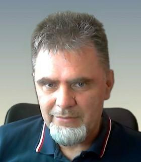 laci profilképe
